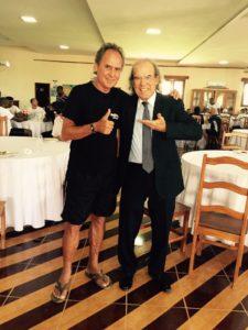 O jogador Mendonça com o psiquiatra Jorge Jaber: programa de tratamento deve durar três meses (Foto: Divulgação)