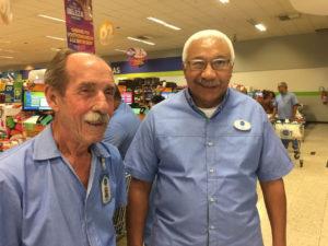 Geraldo e Romeu, funcionários do Prezunic, provam que idade não é impedimento para continuar trabalhando (Foto: Divulgação)