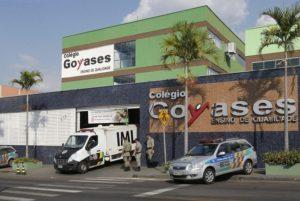 A fachada da escola onde estudante de 14 anos atirou em seis colegas (Foto Dida Sampaio - Agência Estado)