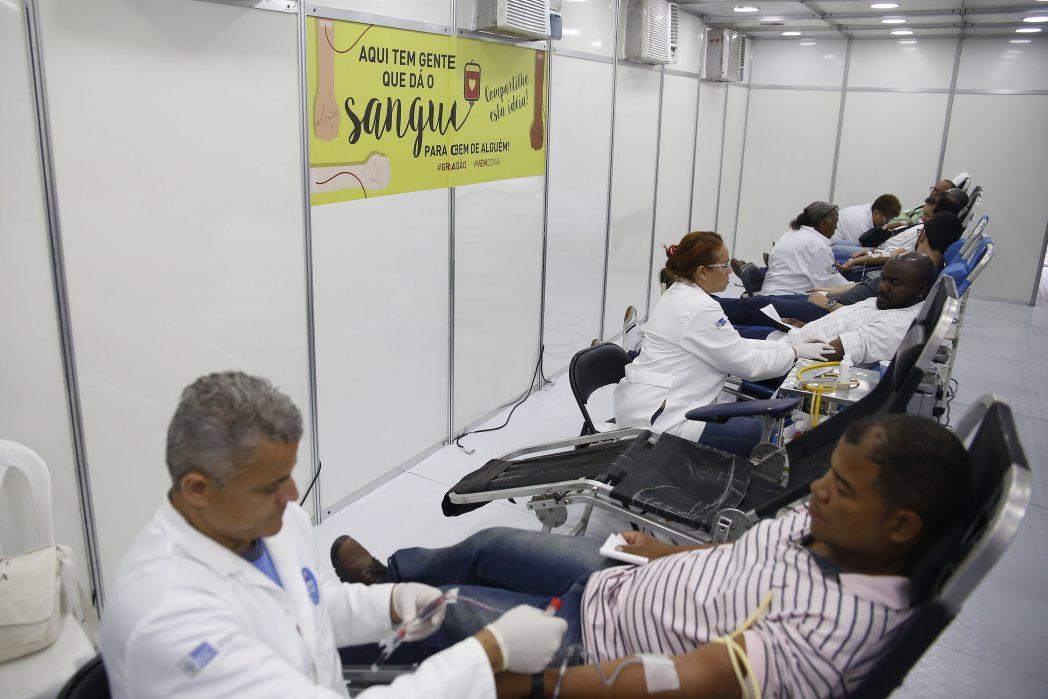 Na tenda do Hemorio na Cinelândia, doações de sangue foram destaque esta Semana (Foto: SES-RJ)