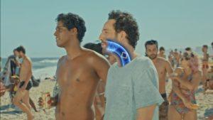 Novo filme da Skol alerta para 'comentários quadrados' a respeito de pessoas acima do peso (Foto: Divulgação)