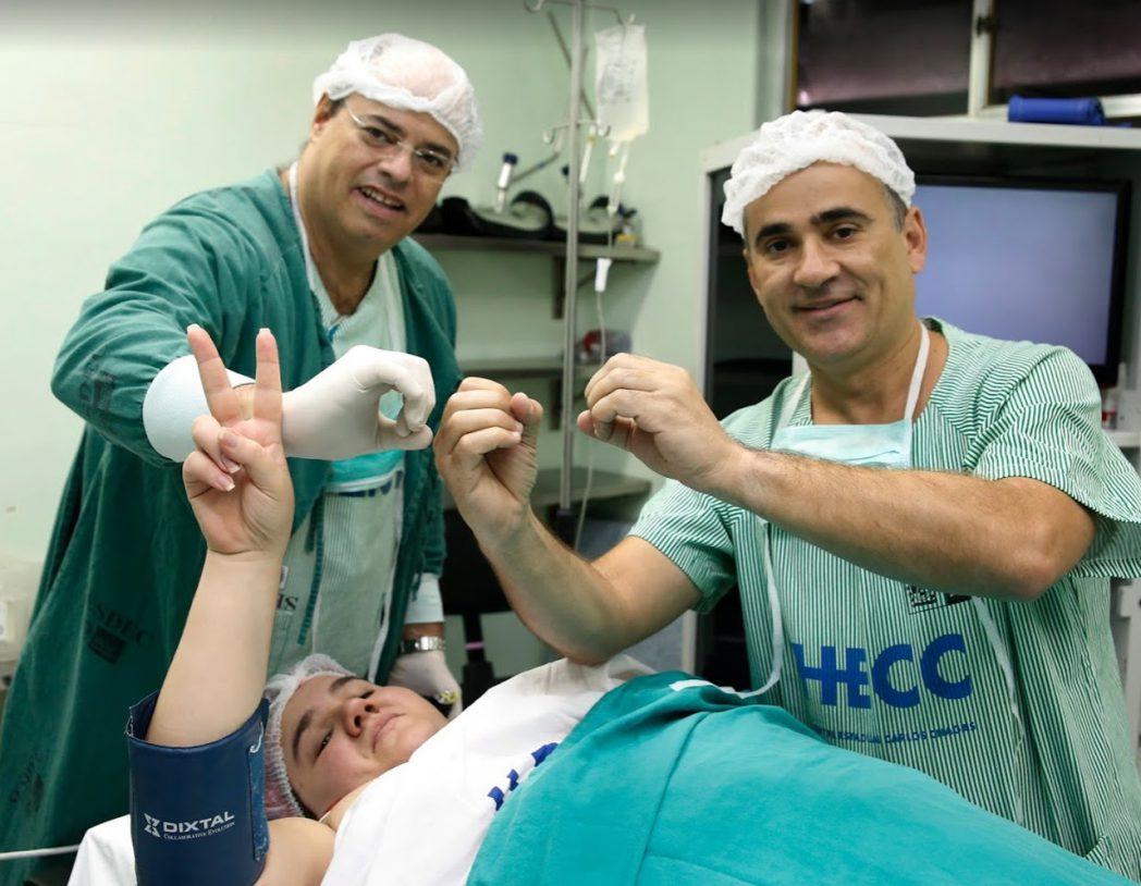 Cirurgia bariátrica: youtuber Caarla Cristina é paciente número 2000 do dr Cid Pitombo
